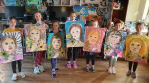 0 32 - Ennis Art School