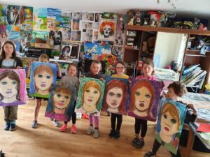 0 82 - Ennis Art School